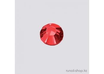 Стразы для дизайна ногтей красные 1,5мм 50шт